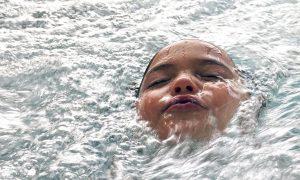 swimming-pool-1229130_1280